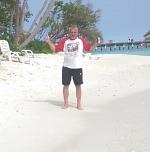 Der RWE ist im Indischen Ozean angekommen! Was gibt es schöneres: RWE, die Malediven und ein Kaltgetränk. Flatty lebt es uns vor!